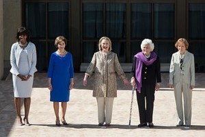 Five_U.S._first_ladies_in_2013_crop