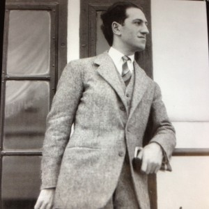 George Gershwin unnamed photographer in employ of Bain News Service (Public domain)